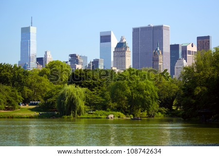 Central Park, The Lake and Manhattan skyline, New York