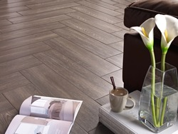 Ceramic floor wood style