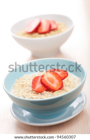 cereal with fresh strawberry
