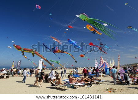 CERVIA - APRIL 28 :the 32�°  International Kite festival on the beach, from April 21 to May 1,April 28, 2012  in Cervia,Italy - stock photo