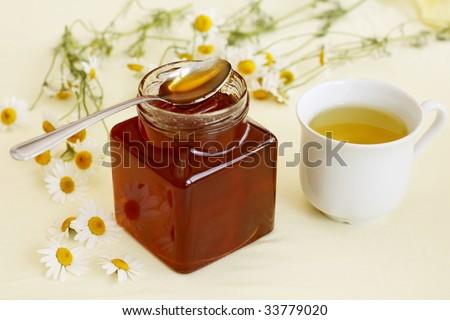Chamomile tea and honey