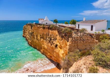 Chapel 'Igreja de Nossa Senhora da Rocha', Algarve, Portugal Foto stock ©
