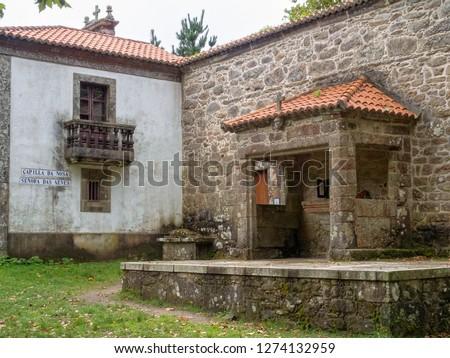 Chapel to Our Lady of the Snows (Spanish: Capilla de Nuestra Señora de las Nieves; Galician: Capilla da Nosa Señora das Neves) - Buxantes, Galicia, Spain Zdjęcia stock ©