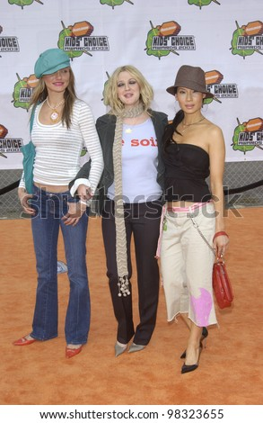 Charlie's Angels stars CAMERON DIAZ (left), DREW BARRYMORE & LUCY LIU at Nickelodeon's 16th Annual Kids' Choice Awards in Santa Monica. April 12, 2003