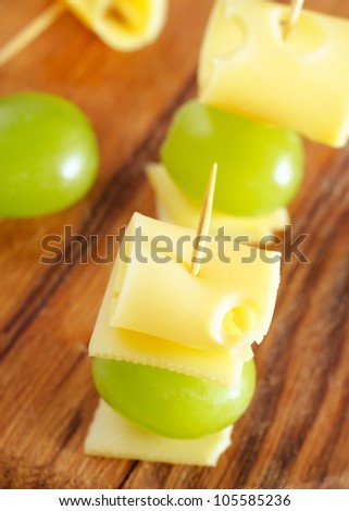 cheese with green grape