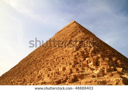 stock-photo-chefren-piramid-48888403.jpg