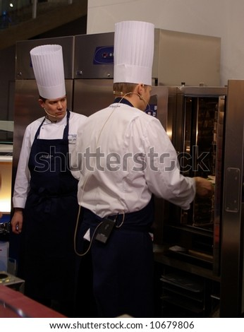 Chefs using new oven