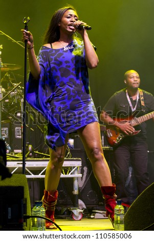 CHELMSFORD - AUG 19: Beverly Knight Performs at V Festival Chelmsford, AUG 19, 2012 in Chelmsford, UK