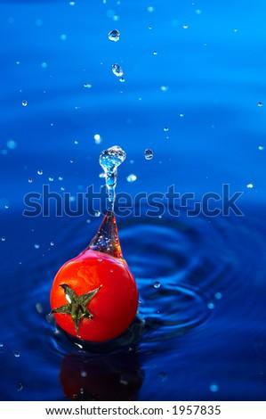 Cherry tomato in water1