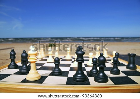 chess on the beach