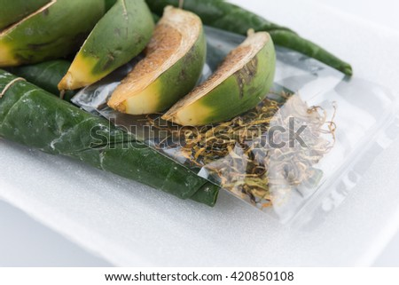 Chewing betel nut and betel leaf #420850108