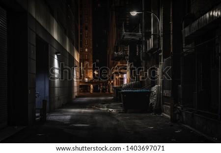 Chicago dark alley at night Foto d'archivio ©
