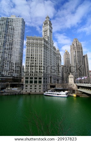 Chicago, IL - Mar 15: Chicago River Dyed Green March 15, 2008 in Chicago, IL
