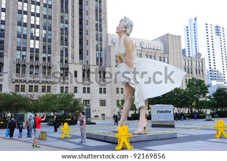 CHICAGO, IL - OCT 1: Giant 26 foot tall Marilyn Monroe Statue by Seward Johnson is unveiled on July 18, 2011 in Chicago, Illinois. Oct 1, 2011