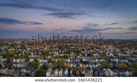 Chicago suburbs, after sunset, overlooking downtown Stockfoto ©