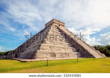 Shutterstock Chichen Itza, mayan pyramid in Yucatan, Mexico