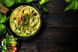 Chicken Green Curry: It is a central Thai variety of curry. (Horizontal image)