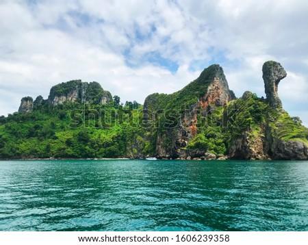 Chicken Island island in the Andaman Sea at Krabi, Thailand, Southeast Asia, Asia
