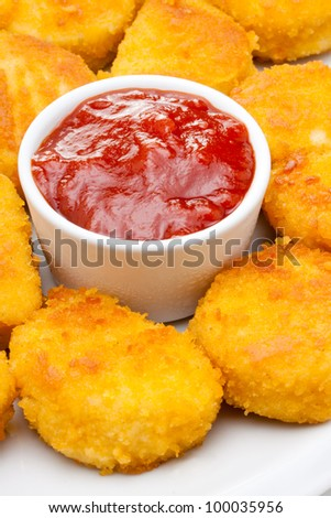 chicken nuggets with tomato ketchup