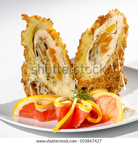 Chicken schnitzel with apricots and grapefruit