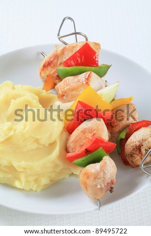 Chicken skewers with mashed potato