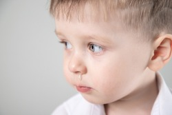 child has a runny nose with clear snot