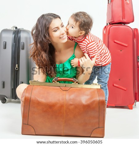 child with mother ready travel...