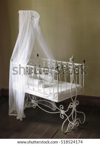 children bed. antique furniture ...