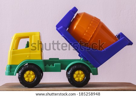 Children\'s toy car truck