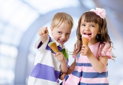 Children with icecream cone indoor