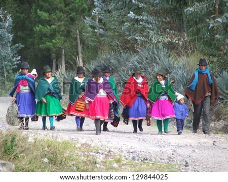 CHIMBORAZO, ECUADOR - NOV 28: People in national clothes walk from rural Quichua communities to Riobamba for holiday reunion  on november 28, 2007 in the Chimborazo area, Ecuador