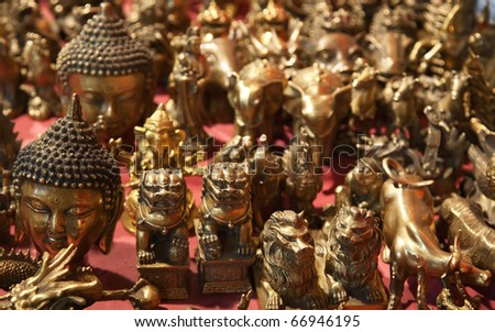 Chinese bronze souvenirs on the market