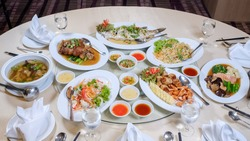 Chinese dishes in wedding receptions