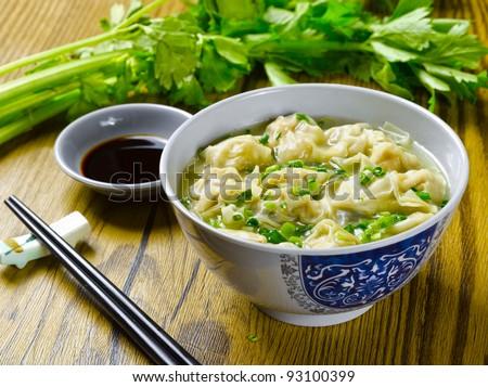 chinese noodle & wonton