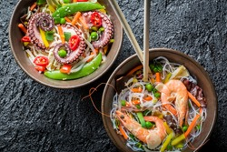 Chinese noodles with vegetables and seafood