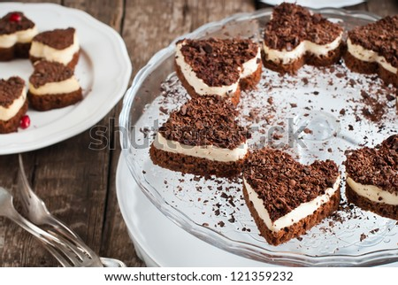 Chocolate Biscuit Valentine Cake in the Shape of Heart with White Custard