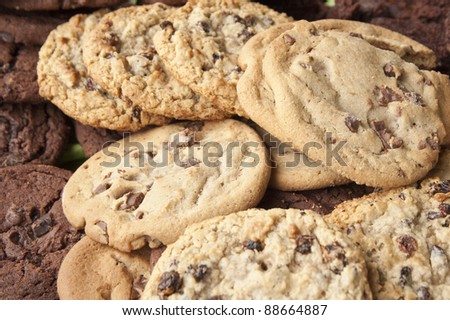 Chocolate chip and oatmeal raisin cookies