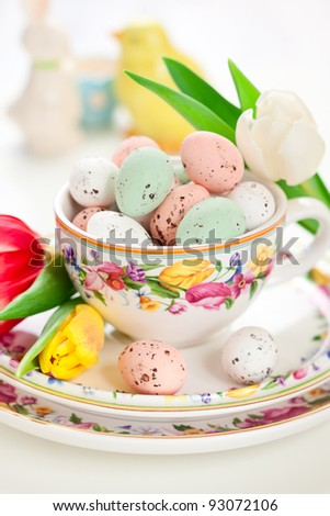 chocolate Easter eggs in bowl