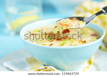 Chowder with Sweet Corn, Shrimp and Bacon