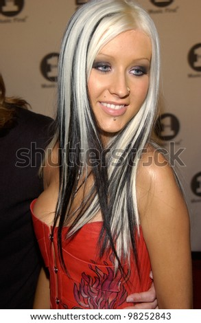 CHRISTINA AGUILERA at the VH-1 Big in 2002 Awards in Los Angeles. 04DEC2002   Paul Smith / Featureflash