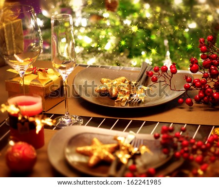 Christmas and new year holiday table setting celebration - New year dinner table setting ...