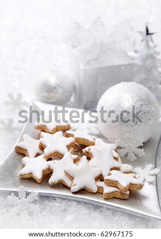 Christmas cakes with white decoration