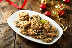 Christmas cookies with raisins and seeds