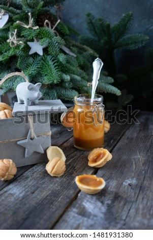 Christmas decorations from cement and nut shaped cookies stuffed with salted caramel. Scandinavian style