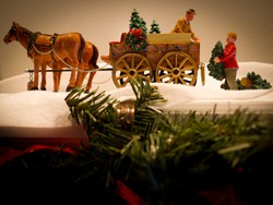 christmas figurine horse and carriage
