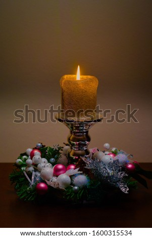 Christmas headdress, decorations and table decorations.
