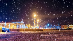 Christmas in St. Petersburg. Spit of Vasilyevsky Island