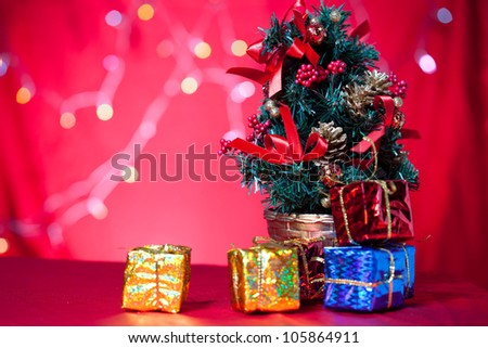christmas tree and gift with light background