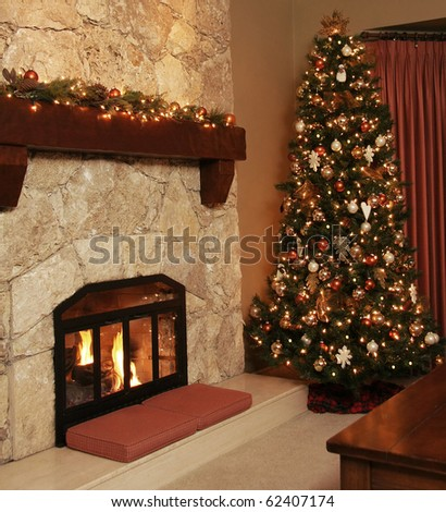 Christmas tree in a cozy livingroom.