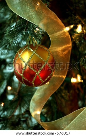 Christmas Tree Red And Gold Holiday Ornaments And Golden: how to hang garland on a christmas tree